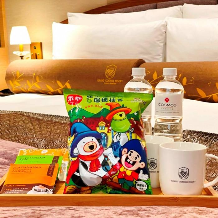 天成飯店集團與「乖乖」跨品牌合作 推出全台第一包飯店聯名款乖乖